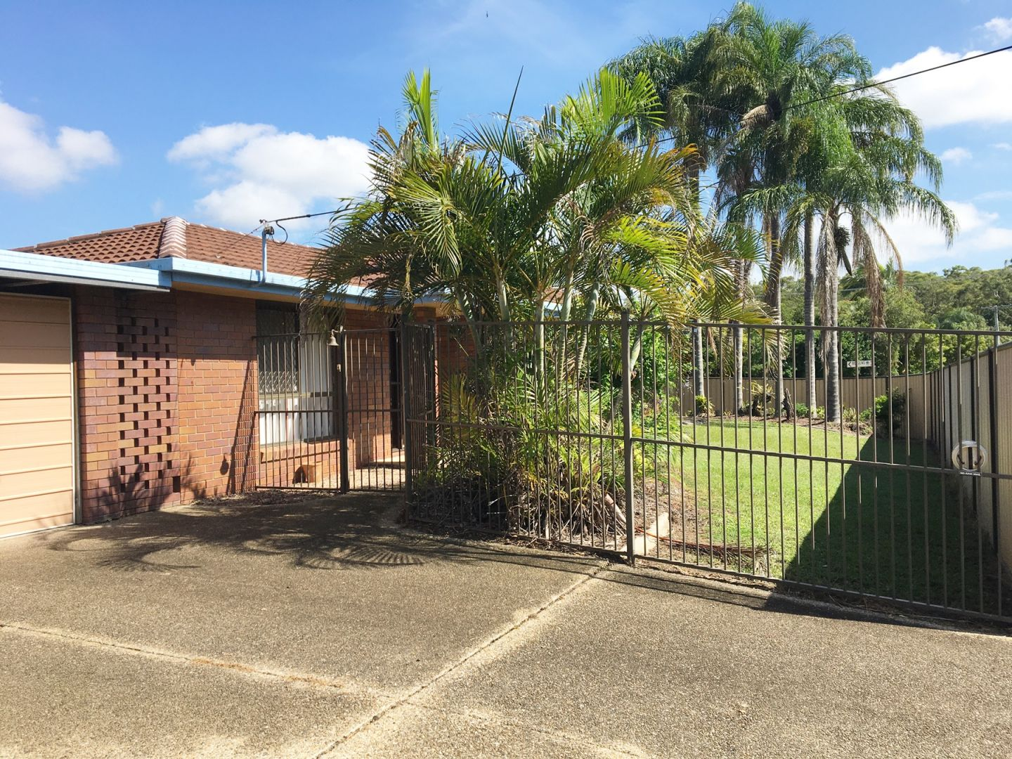 Huge Original 3 Bedroom Home with lots of Living Space, Secure Fencing & Side Access!