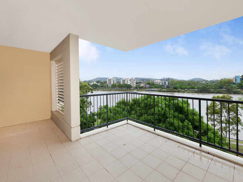 Exceptional Two Bed River Front Apartment!