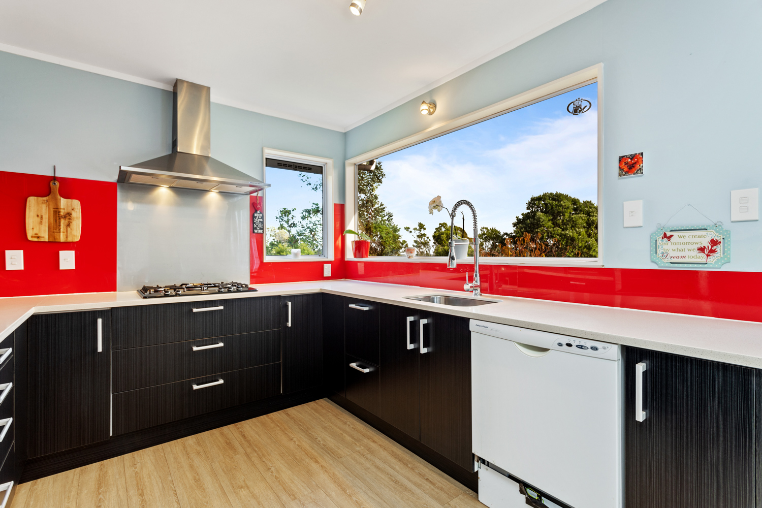 SUPER-SIZED, LARGE FAMILY HOME-FREEHOLD SECTION