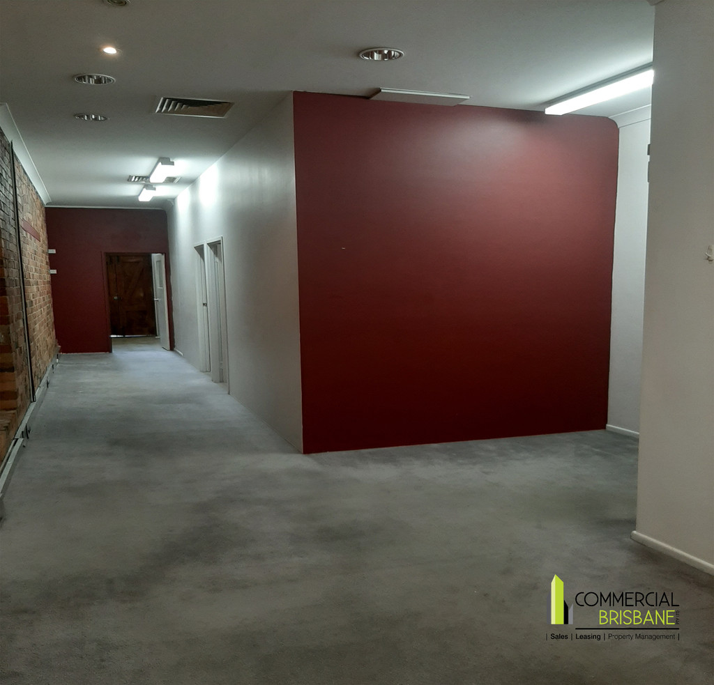 Ground Floor Shop/Office – 80 m2