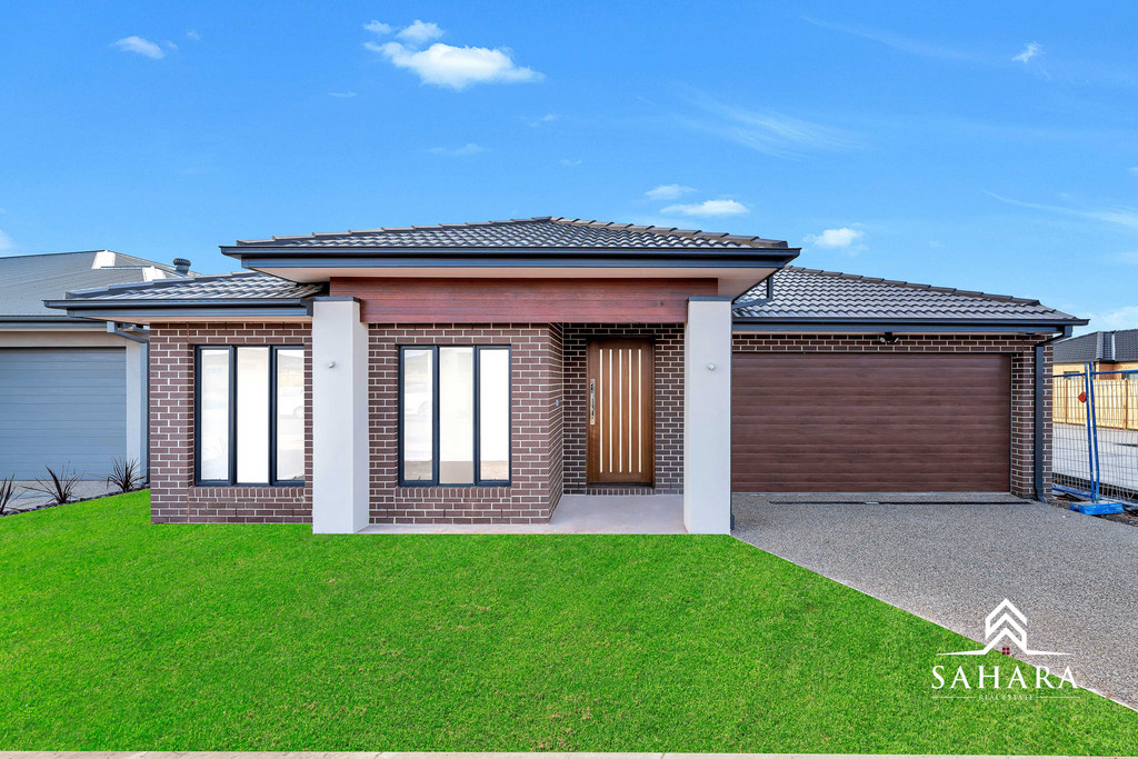 Brand New Modern Spacious Family Home in Thornhill Park..