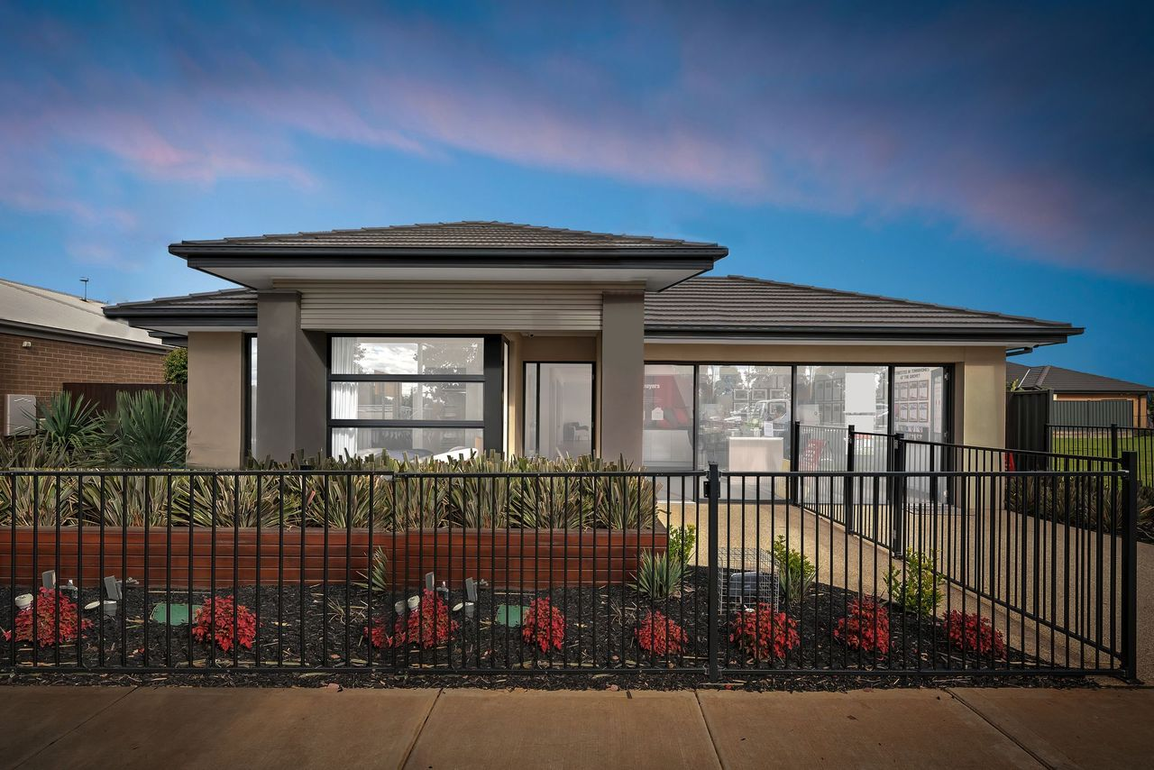 Beauty & Elegance !!  Display Home for sale !!