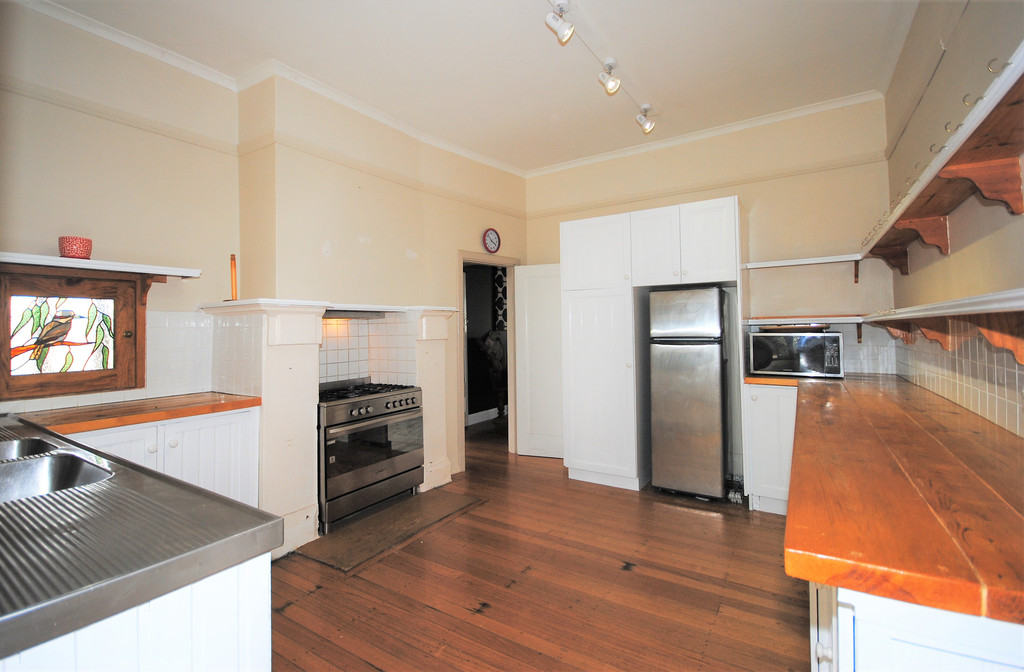 property image 1194075