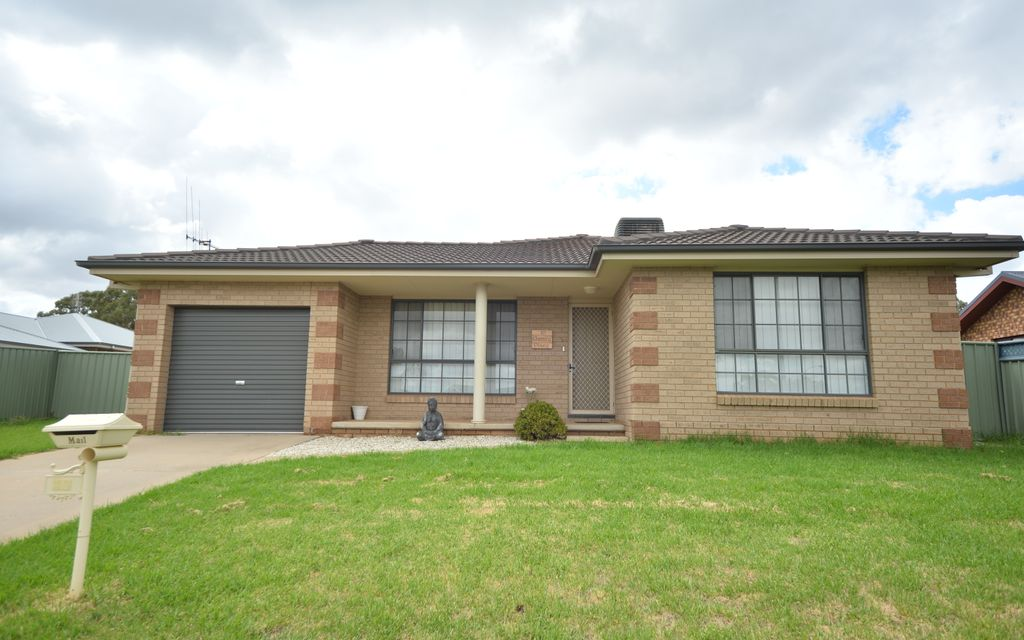 EXECUTIVE LIVING Available to view 9 April 2020
