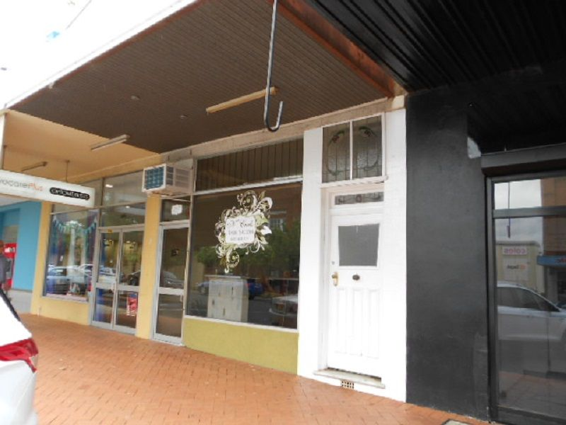 Unit in the main CBD – Available Now
