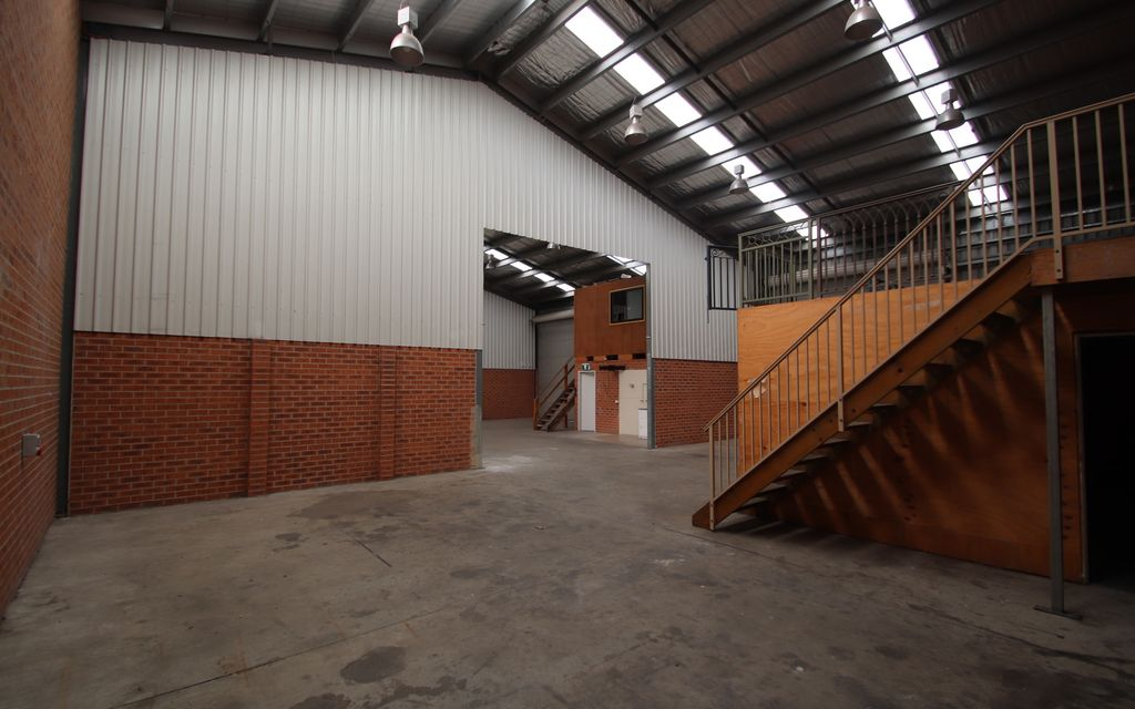 Commercial/Industrial Warehouse Bays