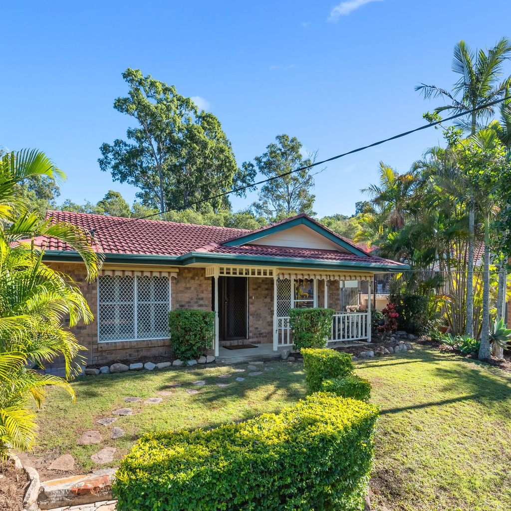 Low Set Home in Fantastic Location!