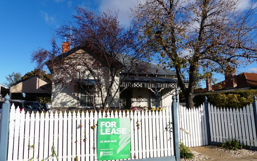 3 BEDROOM HOME IN CENTRAL SHEPPARTON!