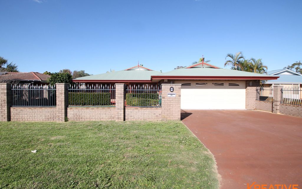 Massive Family Home with Workshed!