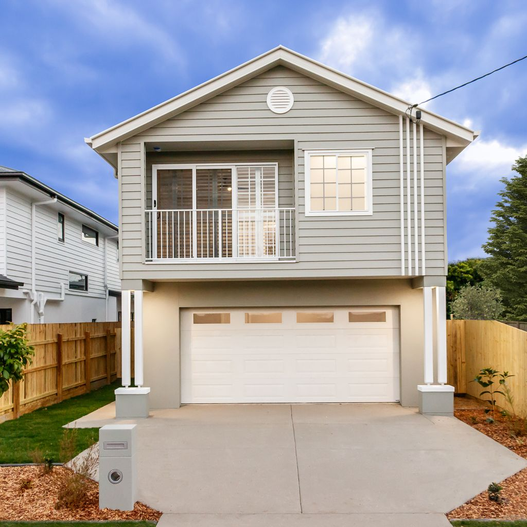 Stylish Brand New Home in the Heart of Mitchelton