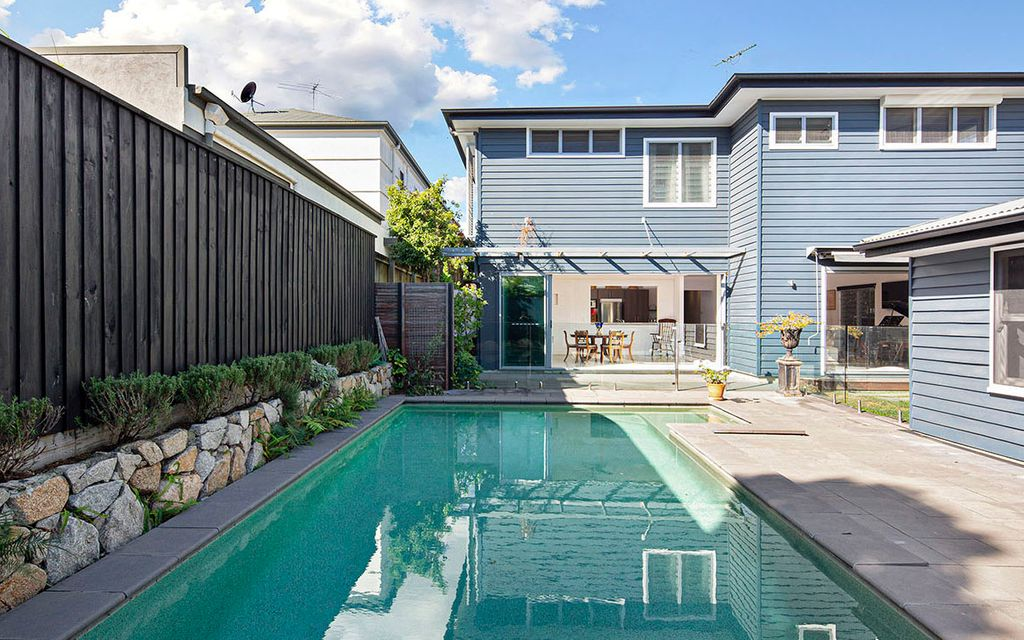 Comfortable, Contemporary – Expansive Dual Living Hendra Home
