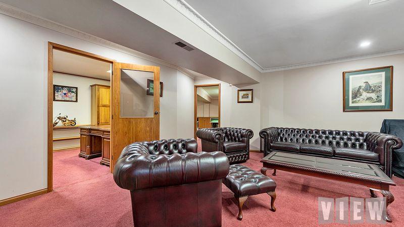 property image 1233418