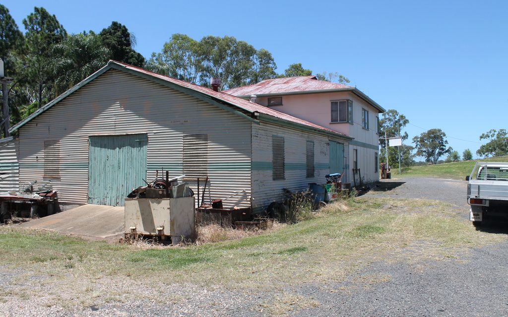 CLOSED DOWN SERVO WITH ACCOMODATION -ROSEDALE  $150,000
