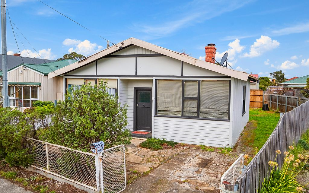 Character cottage in sought after location