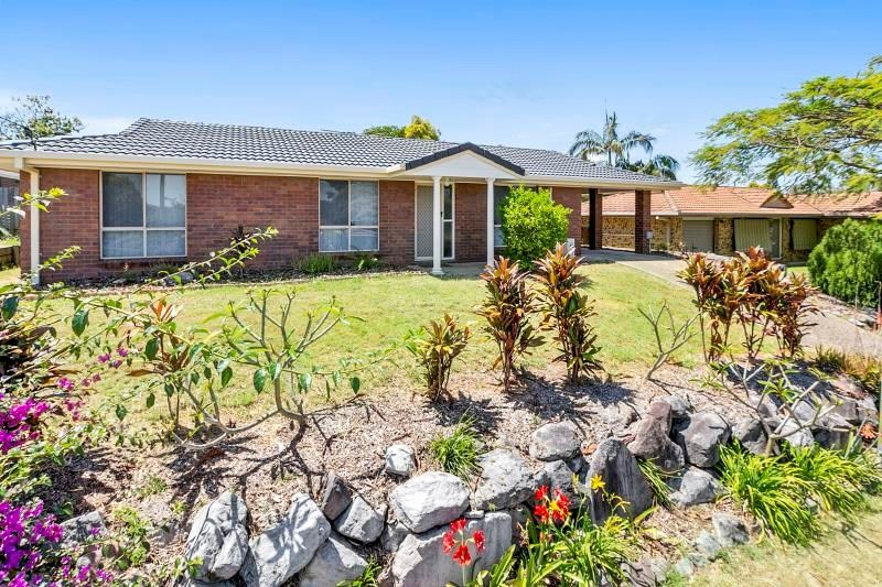 SPACIOUS FAMILY HOME IN REDBANK PLAINS!