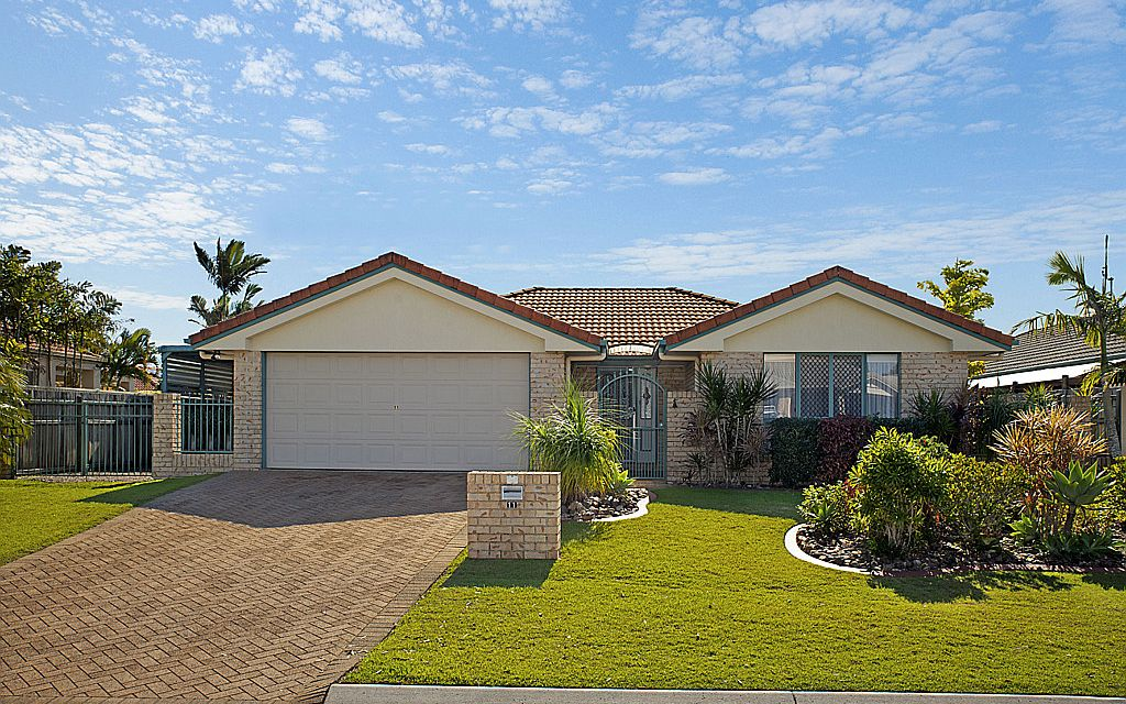 Perfectly Presented Pelican Waters Gem!