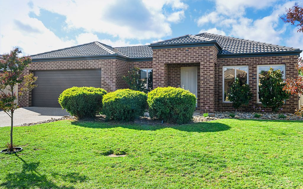 North Shepparton – Family Home near GOLF Course
