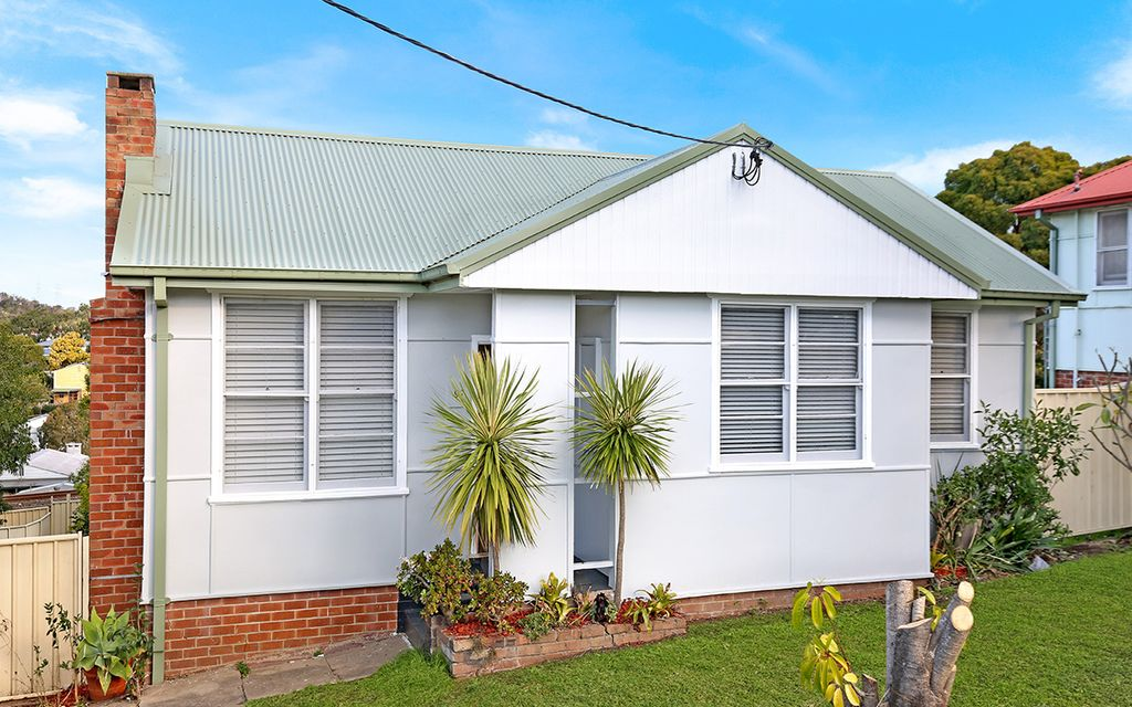 RECENTLY RENOVATED – 3 BEDROOM HOME