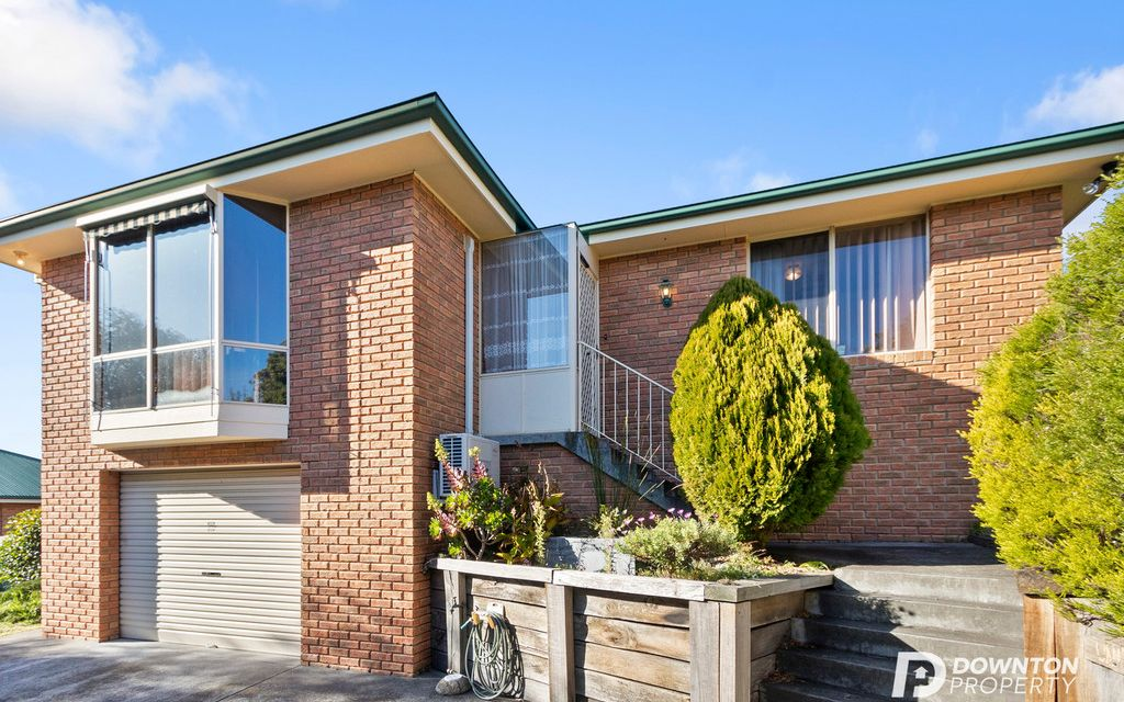 COSY LIVING IN THE POPULAR WEST MOONAH – IDEAL FOR OWNER OR INVESTOR!