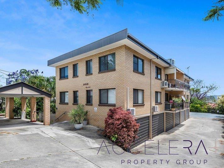 Entire-Floor Apartment in Bowen Hills