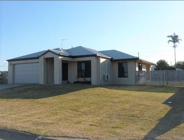 Unique Design on 1012m2 Lot with Shed – Reduced $21,000