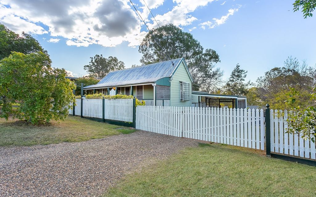TRADITION. SHED. RECREATIONAL RETREAT ON 1,113M2