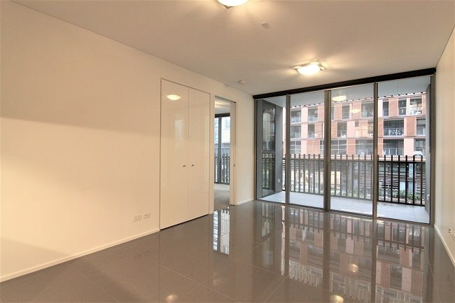 Contemporary 1-bedroom apartment within Central Park