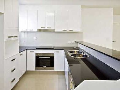 Pet friendly, Neat and tidy Unit with a courtyard.