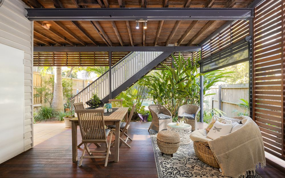 Tropical Retreat with dual living potential