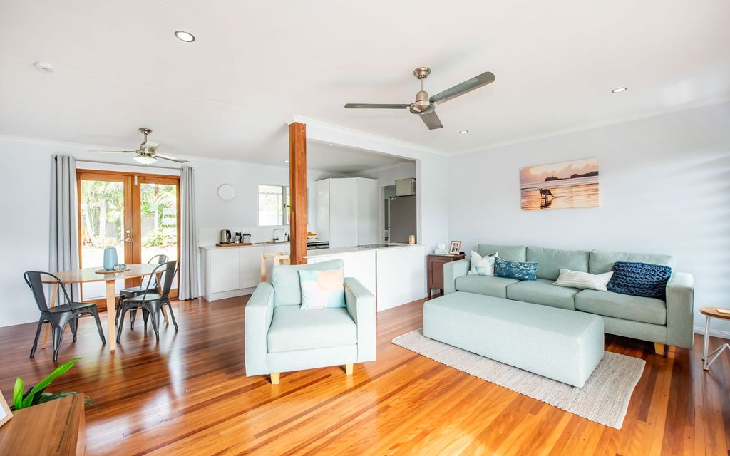 Beautifully Renovated Home Close to the Beach