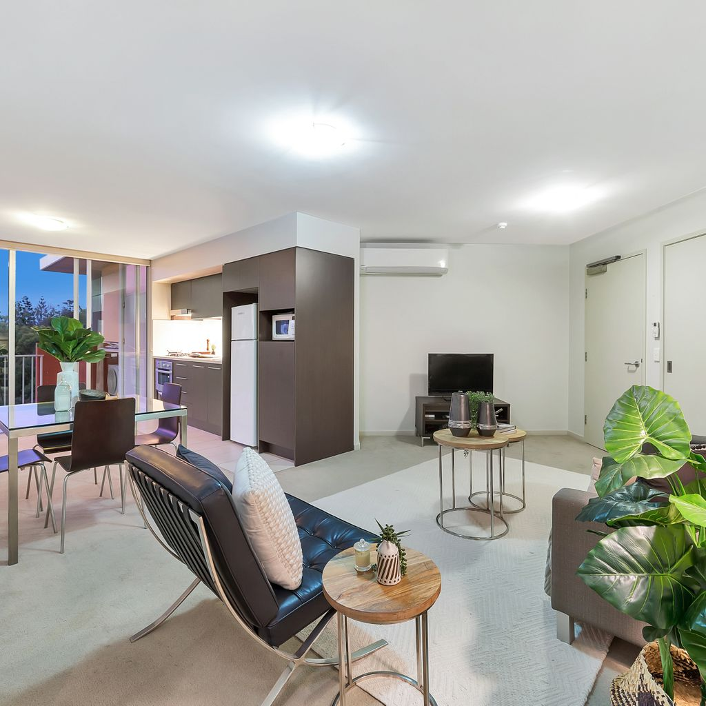 Top Level Apartment with Perfect Northerly Aspect