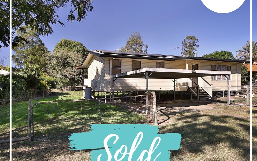 SOLD BY Di Taylor