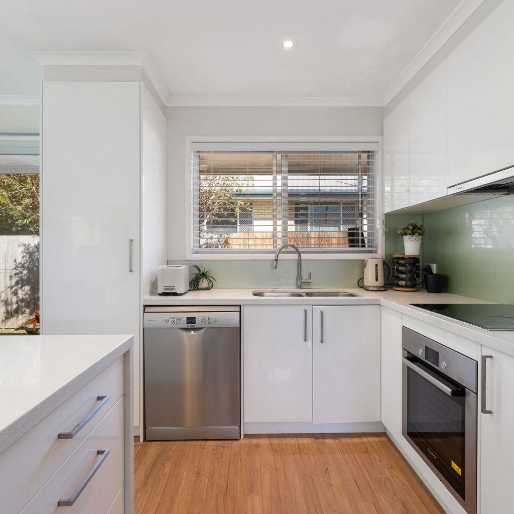 Light & Bright Modern Home!