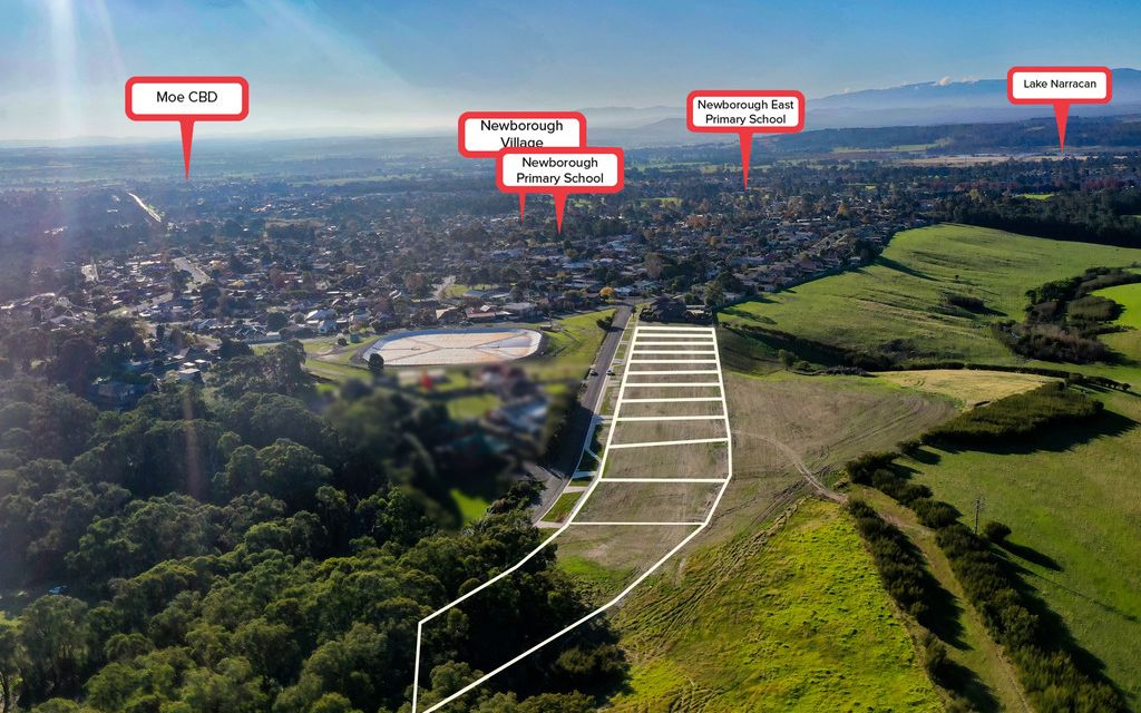 BOUTIQUE 12 LOT RESIDENTIAL SUBDIVISION WITH AN IDYLLIC BACKDROP