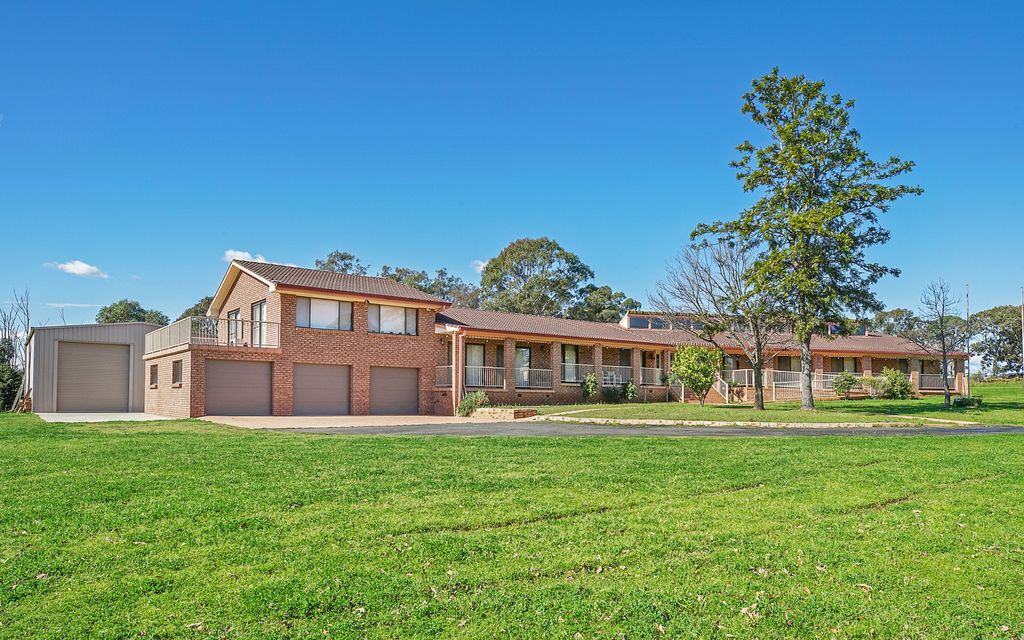 5 ACRES – A RARE OPPORTUNITY