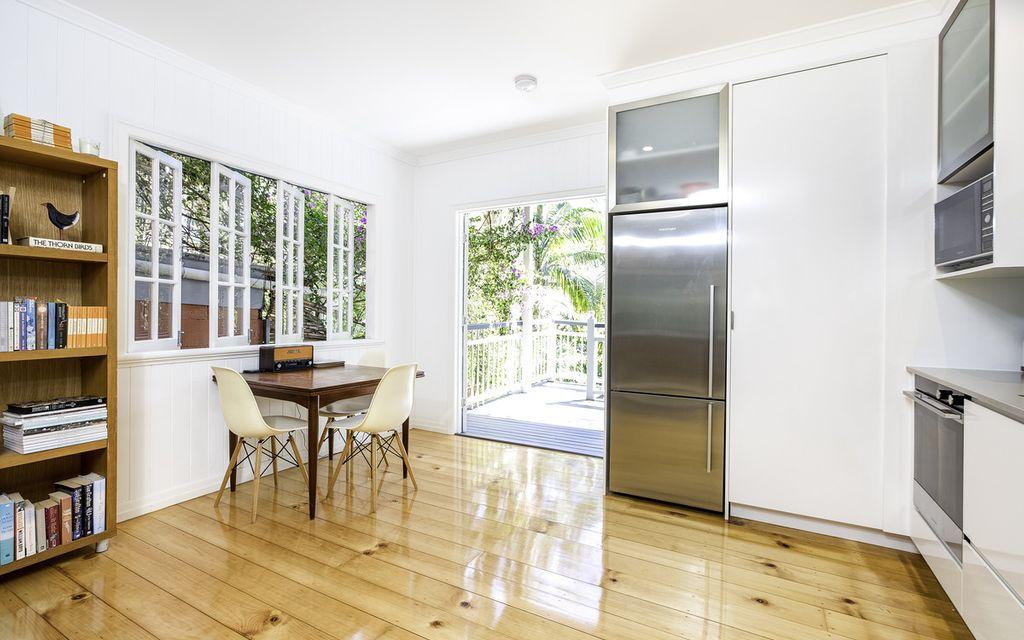 Charming Three Bedroom Apartment in Paddington