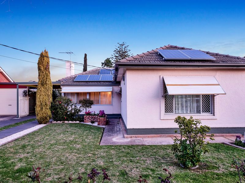 Spacious 1950s family home on substantial block