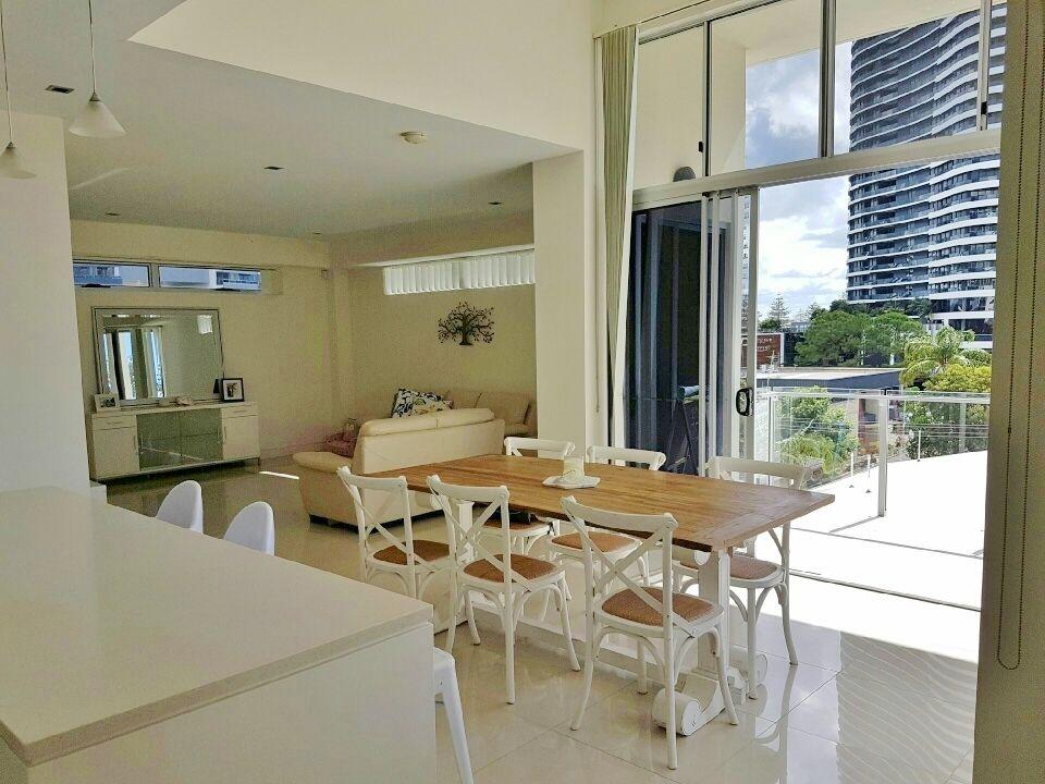 3 Bedroom Penthouse + private top floor