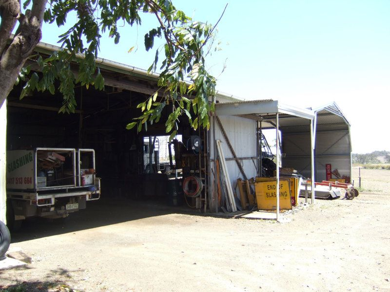 BIG SHEDS -SOLID SPLIT LEVEL HOME MINUTES FROM TOWN 2.5 acres