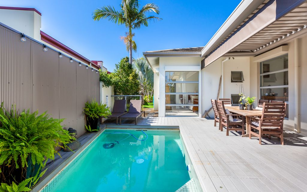 LOW MAINTENANCE FAMILY HOME WITH POOL