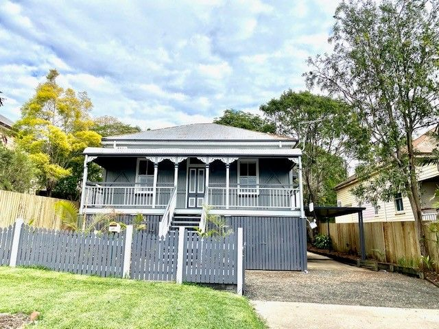 CHARMING HIGHSET COLONIAL 3 BEDROOM HOME IN WOODEND