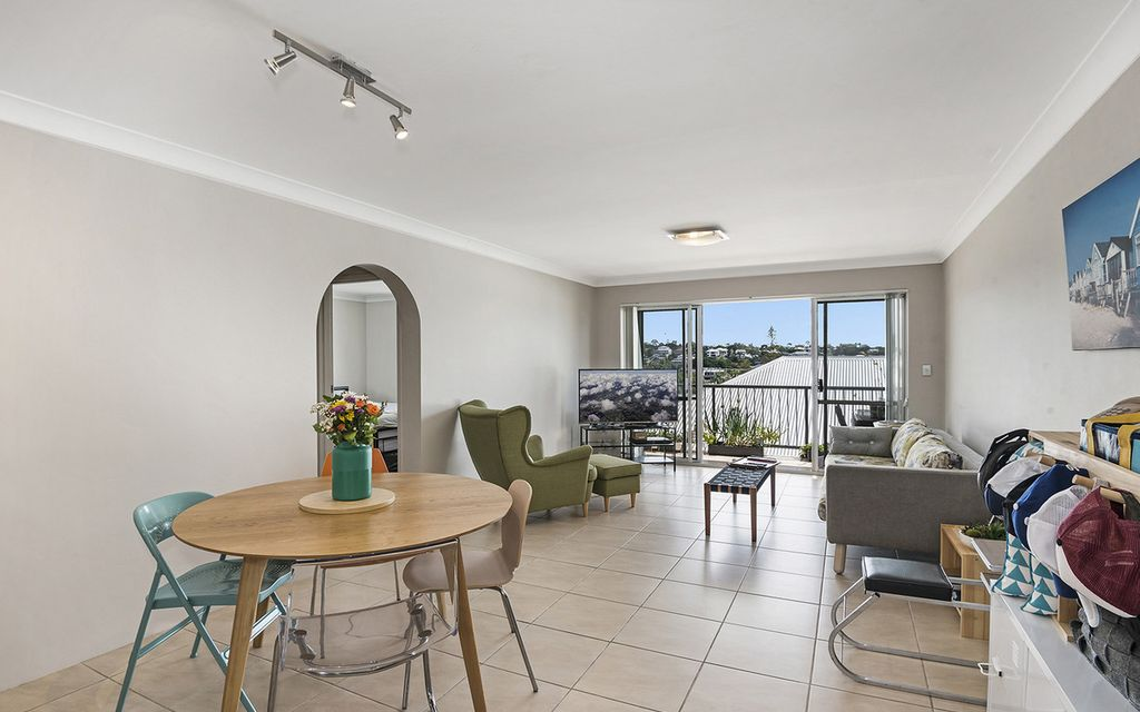 Renovated, bright and airy two bedroom unit
