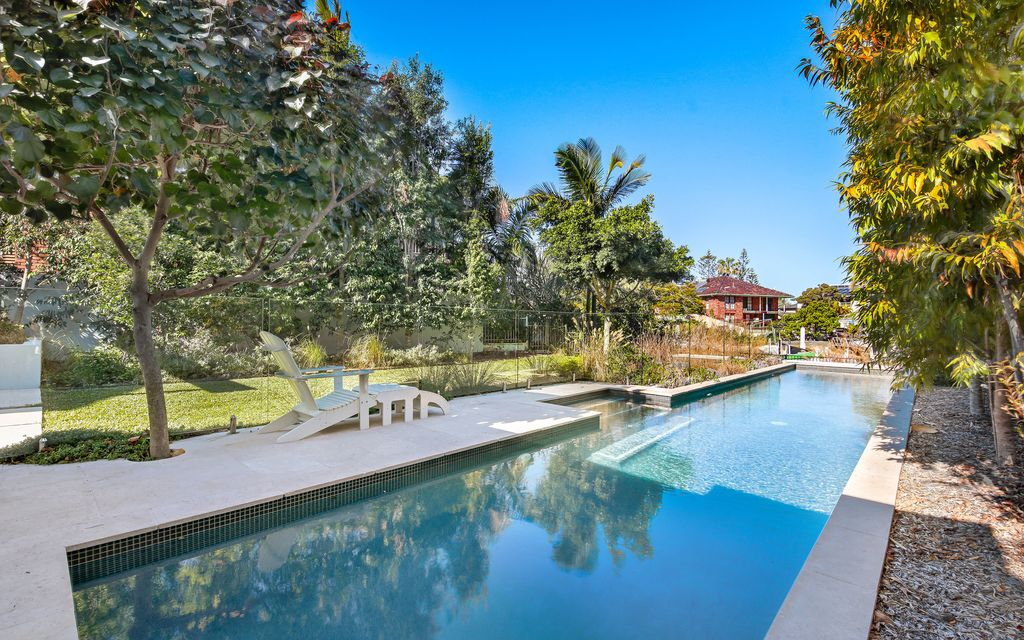 SENSATIONAL AS NEW WATERFRONT ENTERTAINER – DUAL LIVING POTENTIAL!