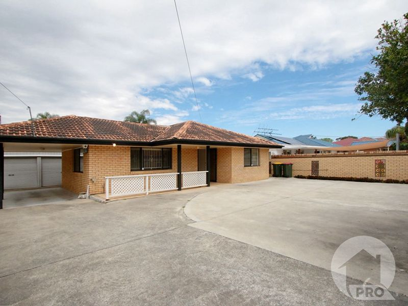 Family Home in the heart of Sunnybank