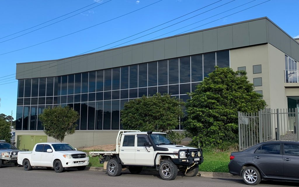 Prime Location Warehouse / Office / Showroom