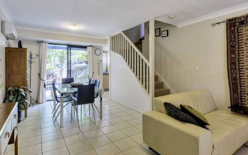 Private & Spacious Townhouse