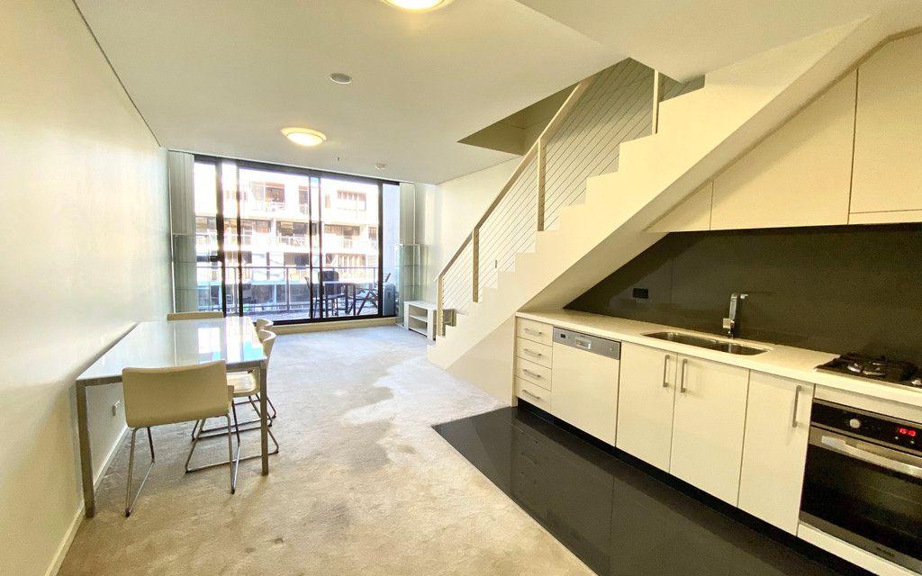 Semi-Furnished Split Level 1 bedroom apartment on level 6.