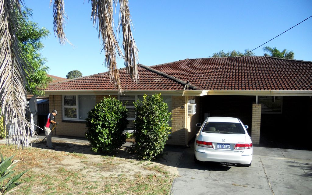 SPACIOUS FULLY FURNISHED 3 X 1 HOME, CLOSE TO MURDOCH UNIVERSITY & FIONA STANLEY HOSPITAL