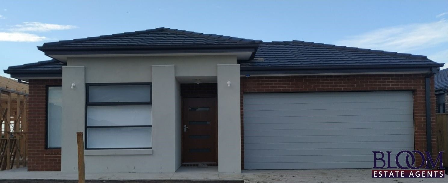 A brand new 4 bedroom stunner to call home!