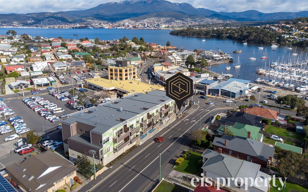 Superb Location near the heart of Bellerive and waterfront